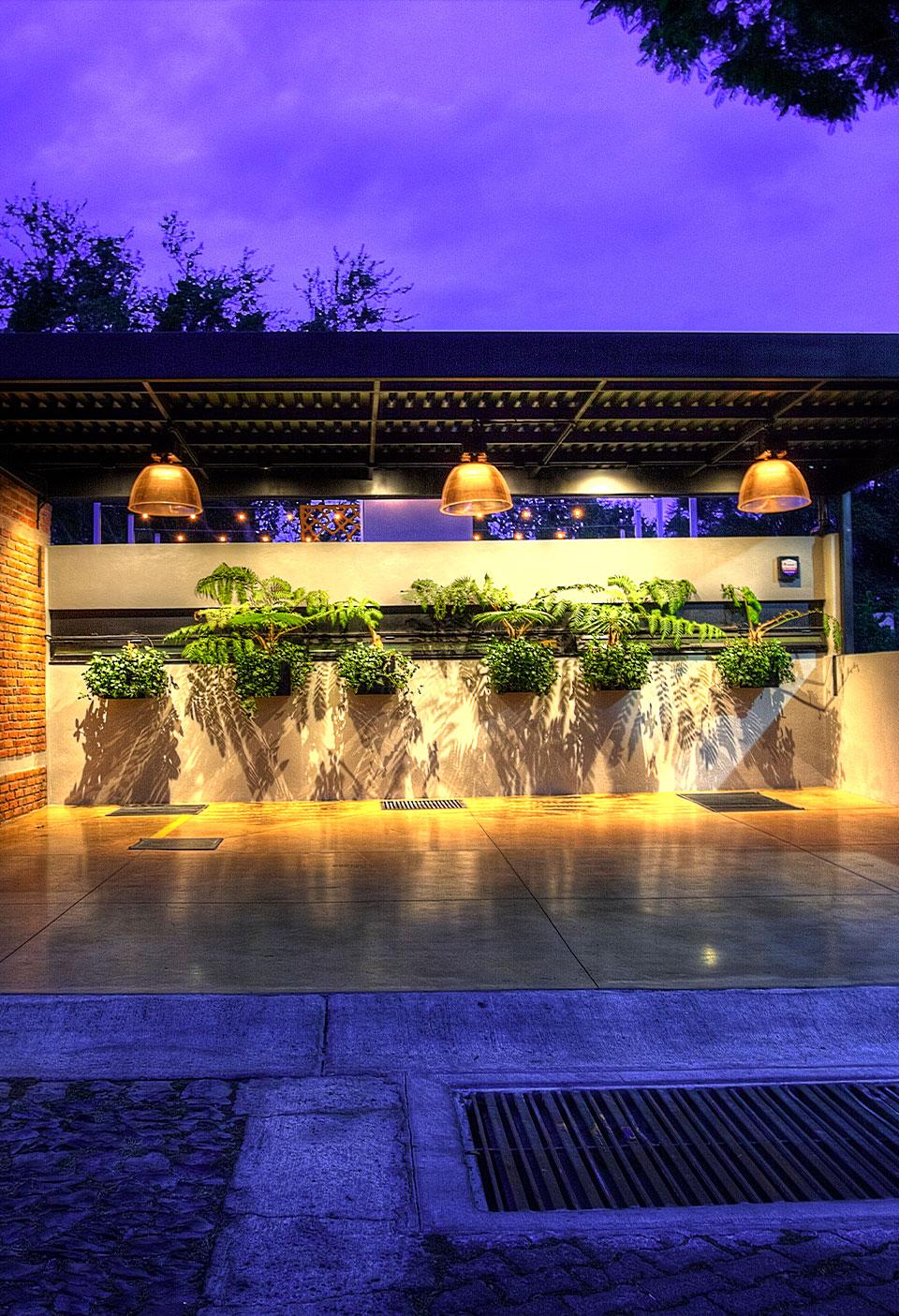 Taufic Luxury Design Casa Bunker